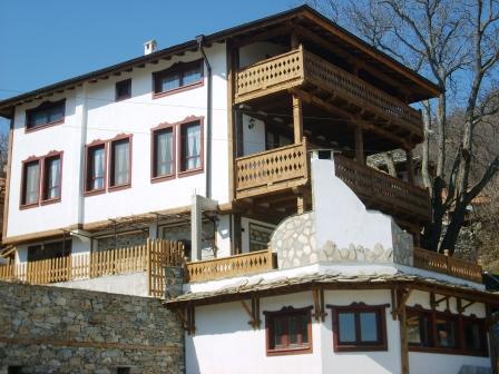 Balkandjiiska house